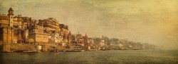 Fotografía panorámica del Río Ganges en Varanasi (antiguo Benarés), India nº05