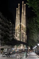 Fotografía vertical del Templo Expiatorio de la Sagrada Familia en Barcelona nº01