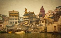 Fotografía horizontal del Ghat Manikarnika, India nº01