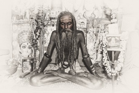 Fotografía horizontal de un Sadhu, India nº01