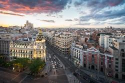 Imagen de la calle Gran vía de atardecer de Madrid nº03