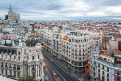 Imagen de la calle Gran vía de día de Madrid nº01