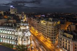 Imagen de la calle Gran vía de noche de Madrid nº01