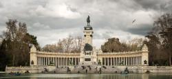 Imagen lago El Retiro y Monumento a Alfonso XII de Madrid nº02