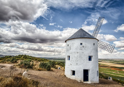 Fotografía horizontal Molinos de viento en Puerto Lápice, Ciudad Real nº02