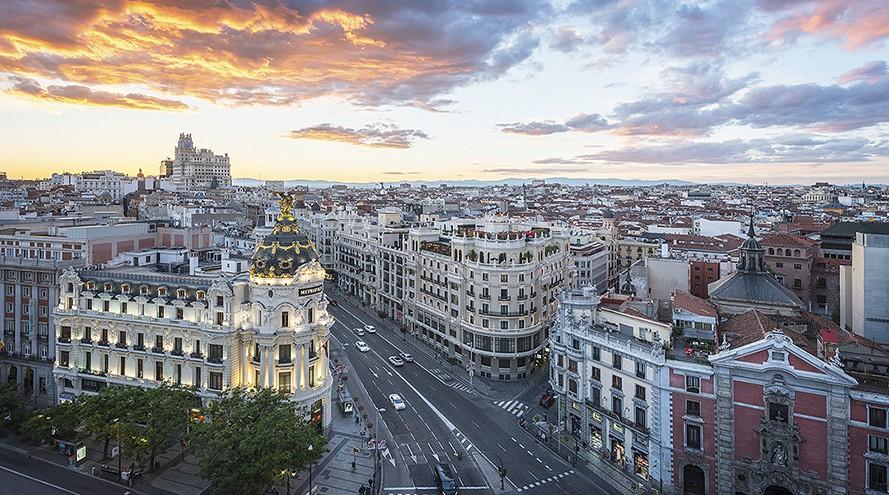 Cuadro de la calle Gran Vía del atardecer de Madrid